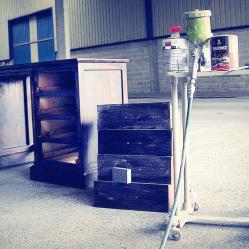 Barniz nitrocelulósico, restauración de muebles