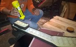 Dj Stand, encolado de madera, construcción en madera
