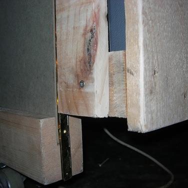 Dj Stand, construcción en madera