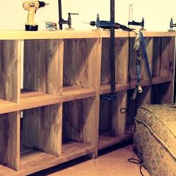Ensamblar con espigas, construcción de muebles de madera