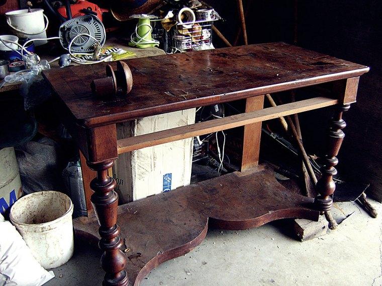 Restauración de escritorio de madera