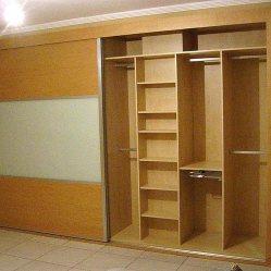 Trabajos en madera, armario