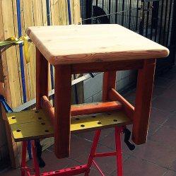 Trabajos en madera, mesilla de madera