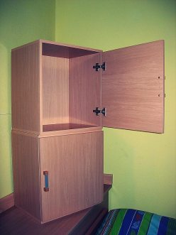 Trabajos en madera, fabricación de mueble auxiliar