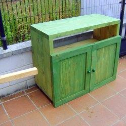 Aparador de madera teñida, construcción de muebles
